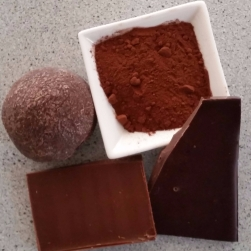 100% cocoa, dark, milk and raw cooking chocolate are all free from nasties and migraine-friendly.