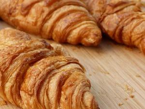 croissant-1191391_640